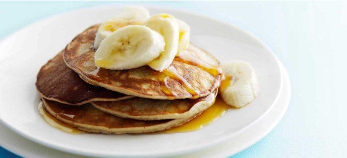 Buckwheat pancakes with banana toppings